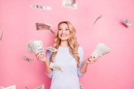 ¿Derrochador o Ahorrador? Consejos para lo que Debes Hacer con tu Reembolso de Impuestos