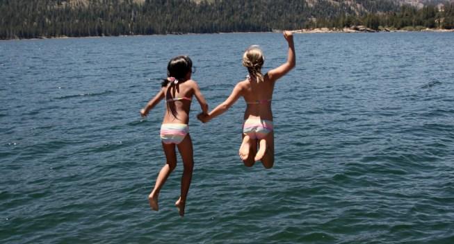 Cómo Puedes Ahorrar Hasta $2,100 en la Campamento de Verano