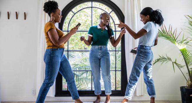 Las mujeres solteras que declaran sus impuestos juntas