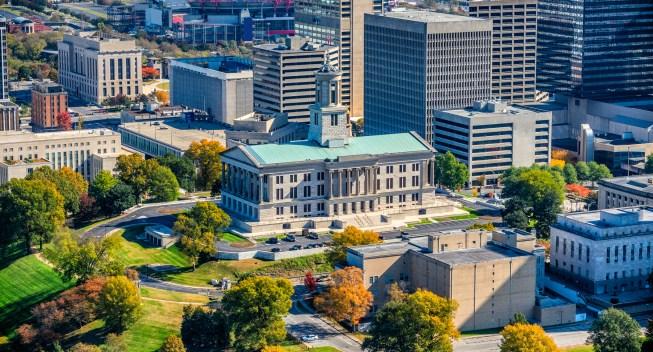 El IRS extiende la fecha límite de impuestos para las víctimas de desastres en Tennessee, Alabama y Kentucky