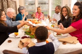 How to Save Money While Visiting Family This Season