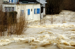 river in flood