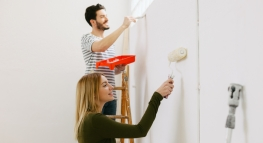 Four Ways to Save While Summer House Hunting and Renovating