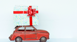 4 Ways to Save On Last Minute Holiday Gifts