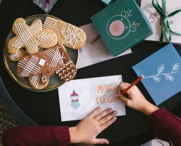 Budget Friendly Ways to Make DIY Holiday Cards