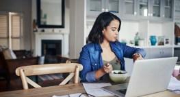 8 Consejos de Último Minuto que te Ayudarán a Declarar sus Impuestos Antes de la Fecha Límite
