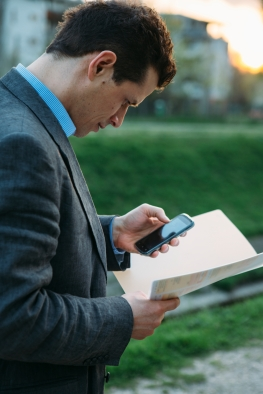 How to File Taxes from Your Mobile Device in 4 Easy Steps