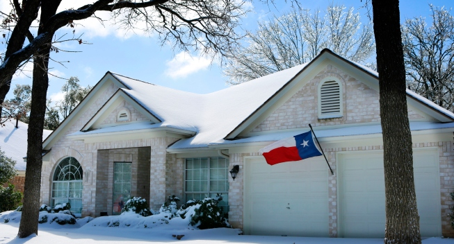 snowing in texas